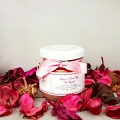 Masque ILLUMINANT à l'argile rose, eau de rose et noyaux d'abricot
